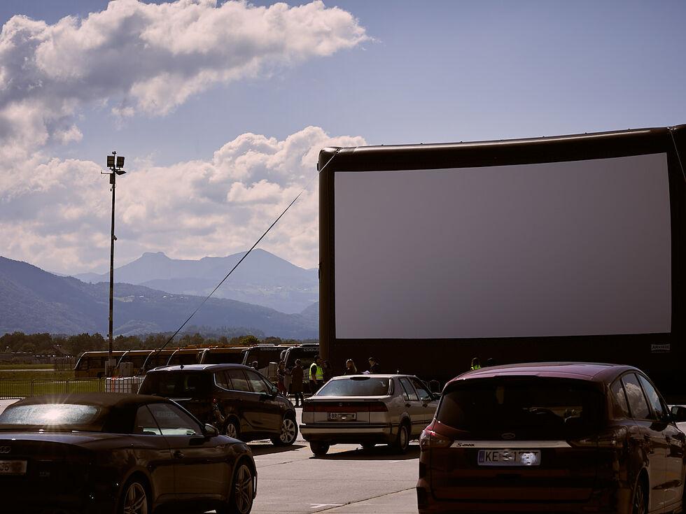 Neukirchen am grovenediger single kino - Sankt gilgen