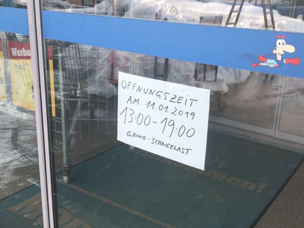 Eugendorf Möbelix Schließt Wegen Schneemassen Salzburg24