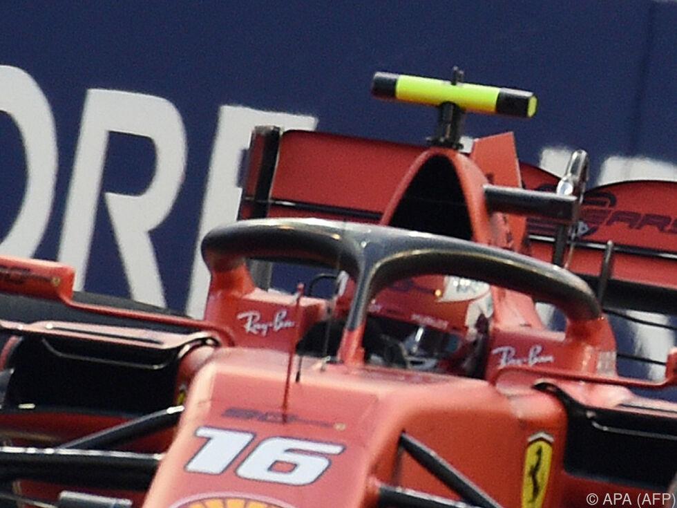 Leclerc holt Pole in Singapur