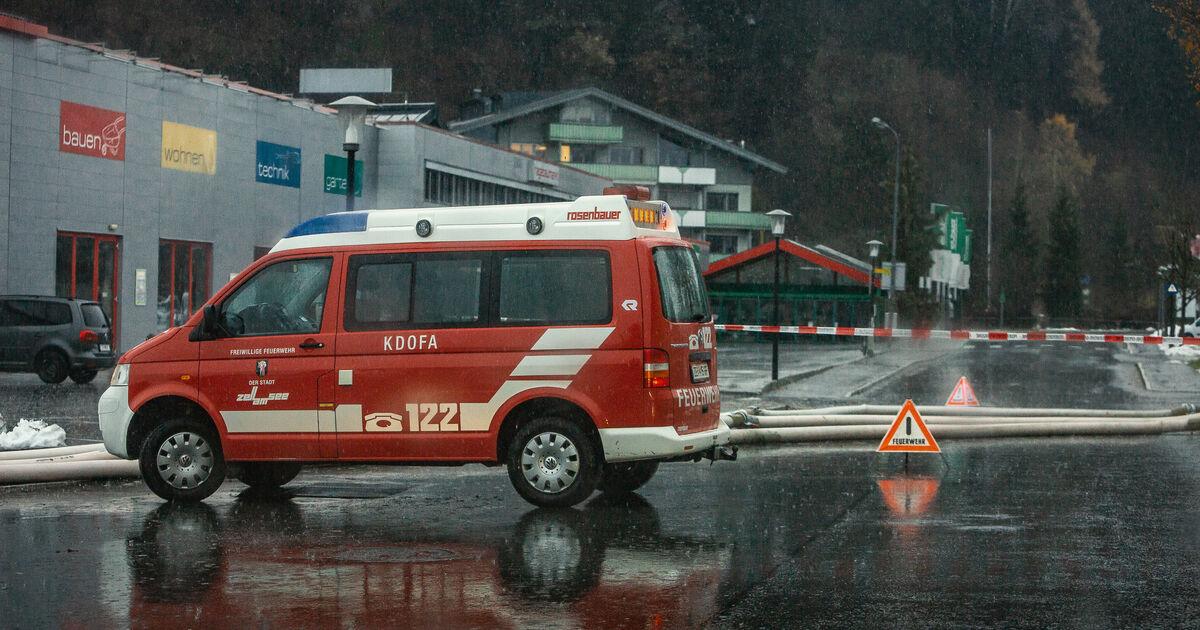 Starkregen in Salzburg: Überflutungen und Muren beschäftigen Einsatzkräfte - SALZBURG24