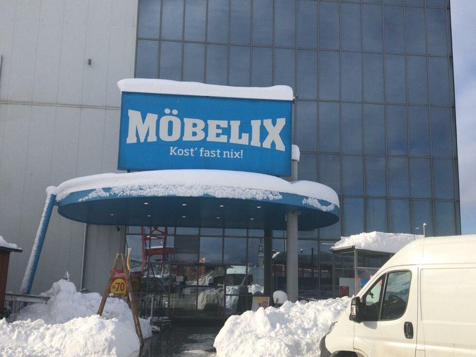 928bbb9dab8907 Eugendorf  Möbelix schließt wegen Schneemassen - SALZBURG24