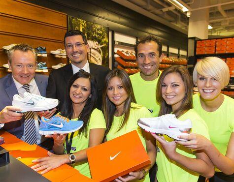 9afda54d74f1 Nike eröffnet Store im Designer Outlet Salzburg. Henrik Madsen (Managing  Director McArthurGlen Northern Europe)