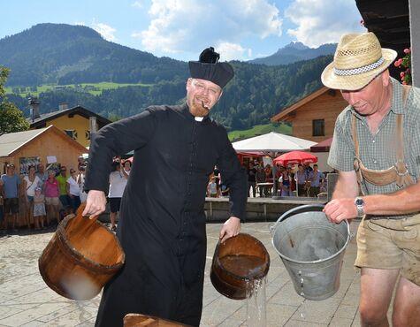 Dorffest In Pfarrwerfen Mit Historischer Löschübung Salzburg24
