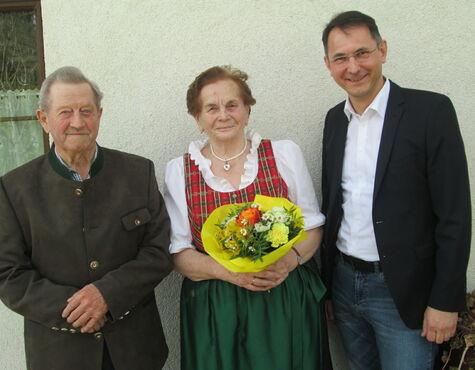 Ehepaar Aus Neumarkt Am Wallersee Feiert Diamantene Hochzeit