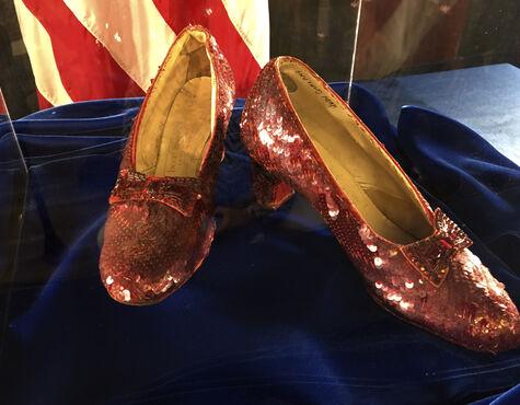 FBI stellt legendäre Film Schuhe aus
